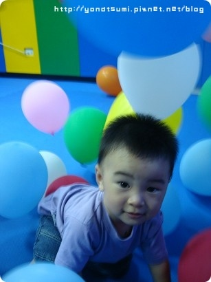 第一次去y17的葉恩恩在氣球區