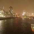 越晚越美麗,如果有閒錢還可以做船遊河,不過我們是窮人旅行