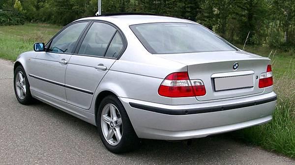 BMW_E46_rear_20080822.jpg