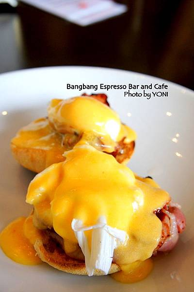 Egg benedict with toasted english muffins with 2 free range poached eggs,bacon & bangbang hollandaise sauce (AUD 16.50)