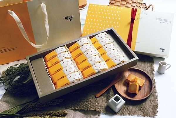15入鳳梨酥禮盒情境照
