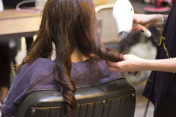 大安區剪髮染髮030.jpg
