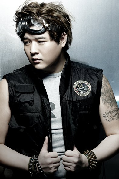 Mr. Simple ver.B ShinDong 02.jpg