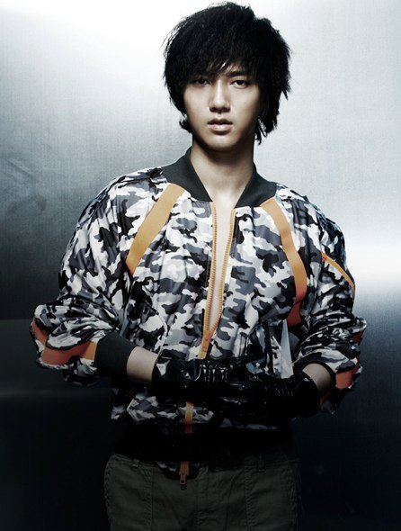 Mr. Simple ver.B YeSung 02.jpg