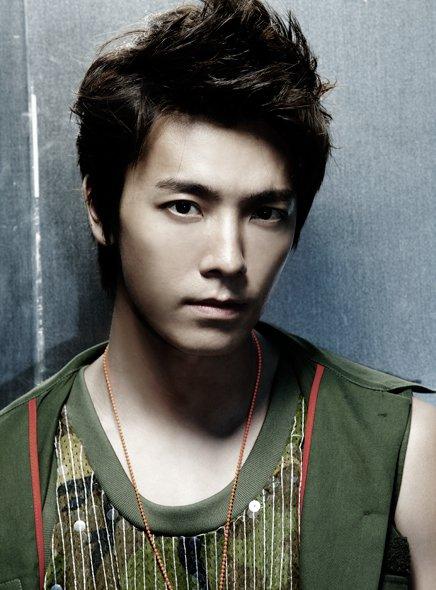 Mr. Simple ver.B DongHae 01.jpg