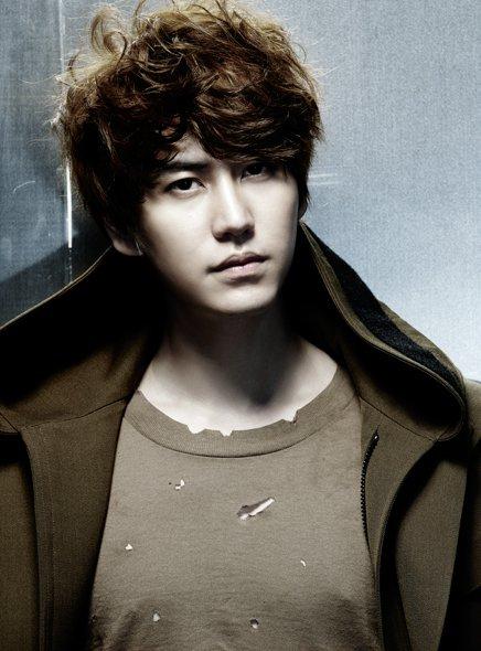 Mr. Simple ver.B KyuHyun 01.jpg
