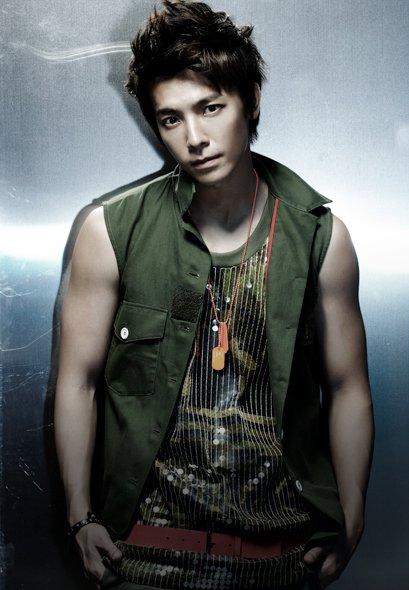 Mr. Simple ver.B DongHae 02.jpg