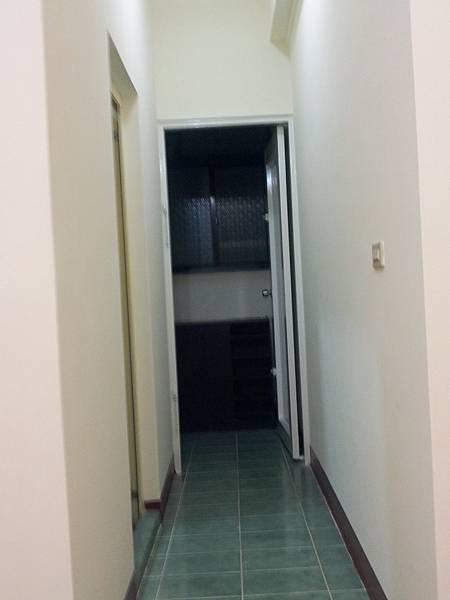 2A浴室前走道