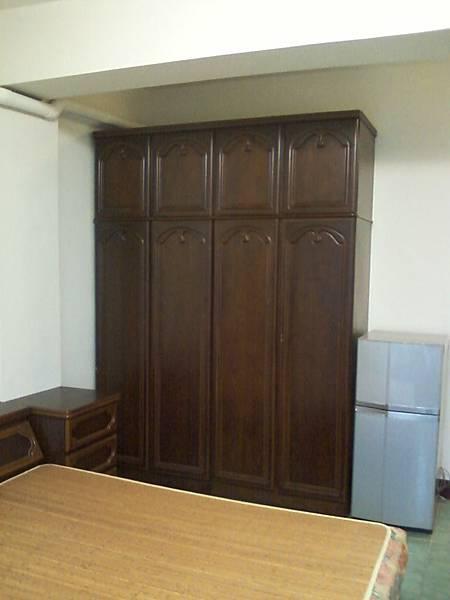 3B房衣櫥