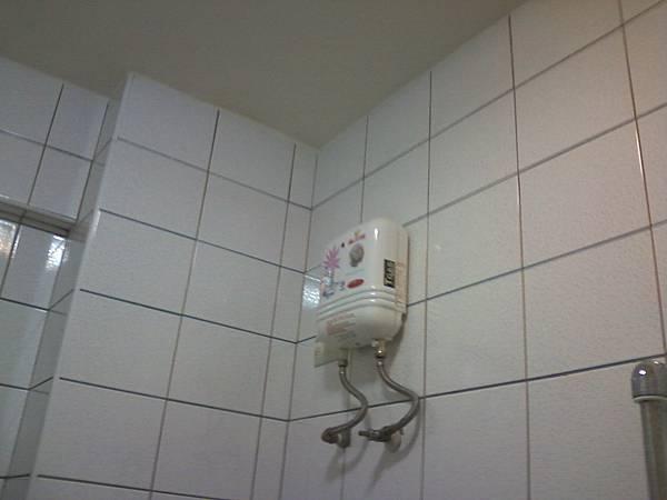 3B房電熱水器