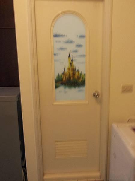 3B浴室門