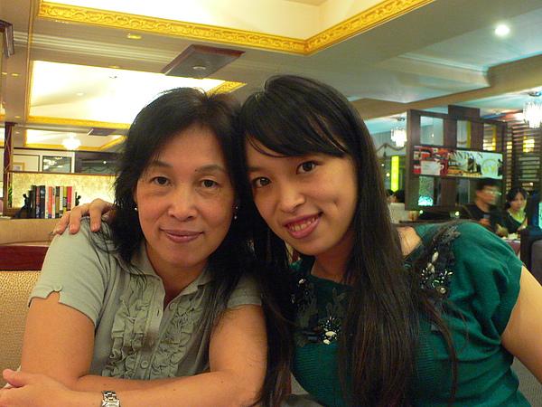 姊姊跟媽咪