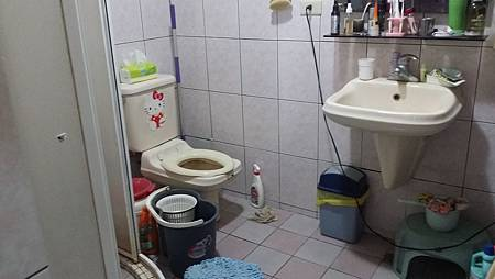 二樓主臥浴室-before