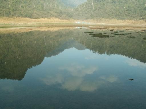 松蘿湖眼中的朵朵雲