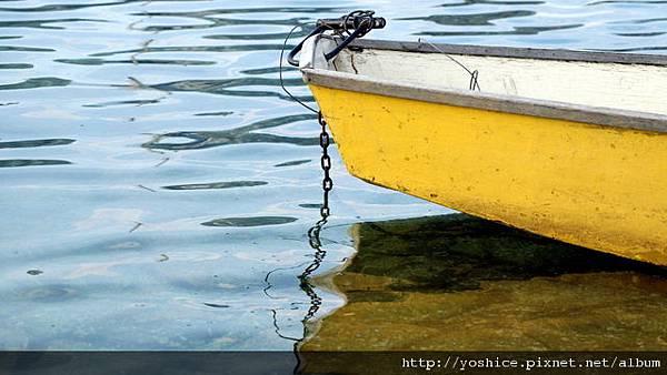 00229_yellowboat_2560x1600.jpg