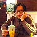2011/02/26 中和家樂福一樓的飲料攤