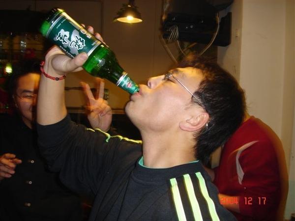東北人喝酒的豪邁..鵬宇