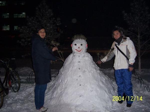 路邊發現的雪人