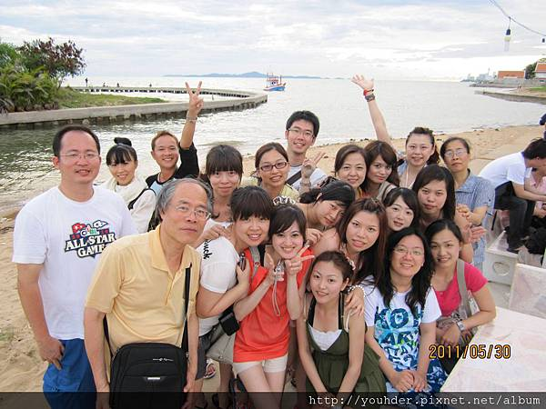 泰國旅遊第二天合影.jpg
