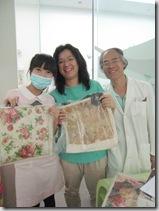 雁妮凌醫師和郭院長‧大家選到了自己喜歡的包包都笑的闔不攏嘴了