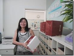 這是今年陳志鈴醫師和吳麗君醫師送給助理們的中秋禮物