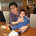 哲毓醫師也要提早體驗當爸爸的樂趣.jpg