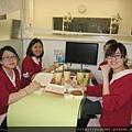 上課前診所提供便當飲料讓助理先用中餐1.jpg