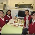 上課前診所提供便當飲料讓助理先用中餐.jpg