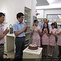 雖然兩位醫師反對,但我們還是要為你們長生日快樂個啊!.jpg