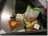 逛瑞典斯德哥爾摩的超市2015.02.16-北歐物價超貴,才買這麼一些至少花掉台幣上千元,