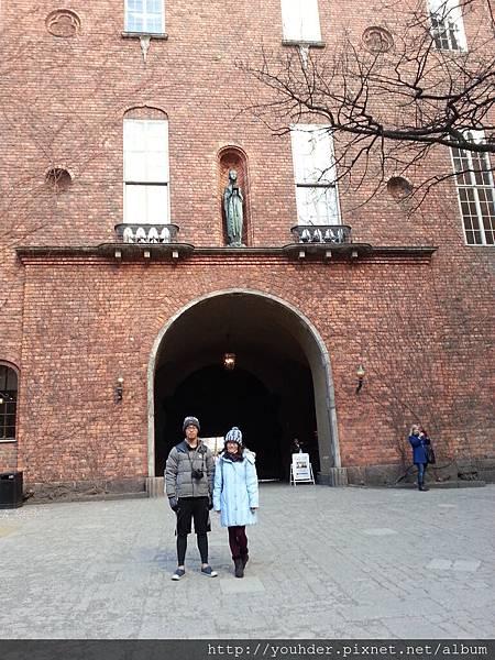 瑞典斯德哥爾摩的市政廳外觀-2.16早上行程-2.jpg