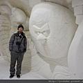 參觀芬蘭的冰雪城堡--到處都有以北歐生活背景製作的冰雕2015.02.17-10.jpg