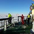 三寶破冰船,準備去穿龍蝦裝了。2015.02.18.jpg