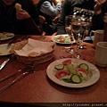 到了芬蘭凱米入住飯店後的晚餐,3道菜--沙拉20150217.jpg