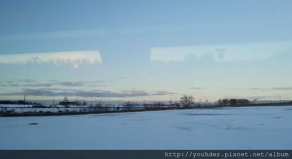 2.16一早抵達瑞典斯德哥爾摩機場,坐上遊覽車開始我們的旅遊行程。.jpg