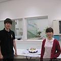5月壽星有劉醫師雯萱和翊茹,不過翊茹放大假去慶生了。.jpg
