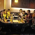 診所提前慶祝中秋節,石頭烤肉聚餐。2015.09.19-2.jpg