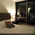 20160201_第一+第二晚下榻的地方---公寓式住宿,兩個房間--主臥。.jpg