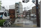 2016.04.07先生抵達日本京都時是個陰雨綿綿的日子。走路要去租住的民宿。