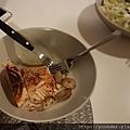 20170825_自製簡易晚餐。--燿東的煎魚排和蘑菇。.jpg