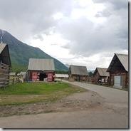 20180614_174016禾木村是個自給自足的小山村,什麼樣的店都有。