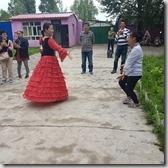20180617_152350哈薩克民族家訪--和美麗的主人家一起共舞。