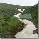 20180617_201133往巴音布魯克途中,翻山越嶺,這不是河,是山上殘餘尚未融化的冰。