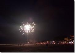 20181031_184844飯店附近海灘的煙火