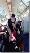 20190501_101536王姐在冰河列車上分旺旺仙貝和翠果子