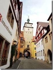 20190424_182853在德國第一晚落腳的旅館外面。2