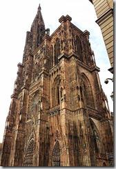 20190425_172729手機要拍出史特拉斯堡大教堂的宏偉實在太困難了