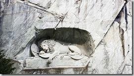 20190426_170811獅子紀念碑,導遊說我們要注意獅子的表情是代表對統治者的絕望