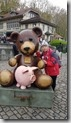 20190427_100819熊公園門口可愛的小熊雕像