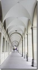 20190427_101903伯恩古城街道到處都有走廊可避免逛街淋到雨